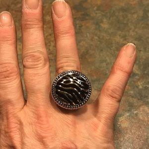 Premier Designs Zebra Ring